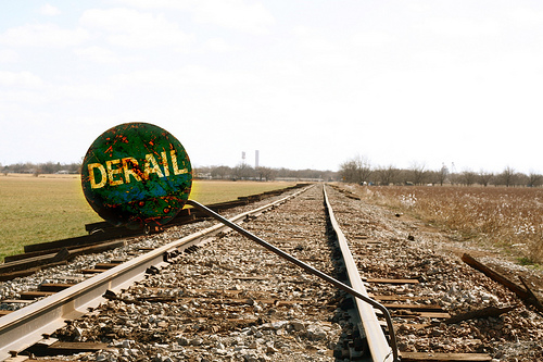 Derail device installed at an industrial site, complete with Blue Flag ...: http://dict.space.4goo.net/dict?q=derail