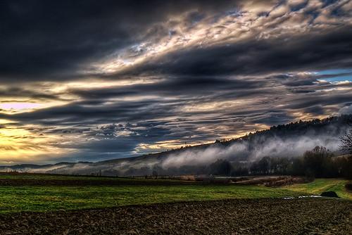 Leadership Cloud: Image is Dark Clouds
