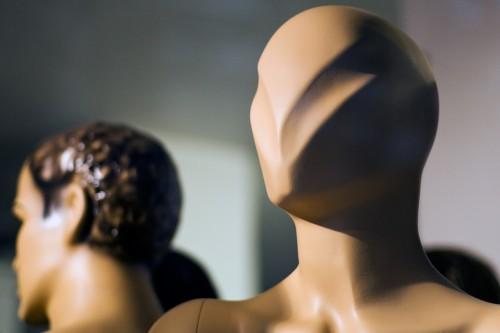 Modern leadership & teamwork: Image is faceless mannequins.