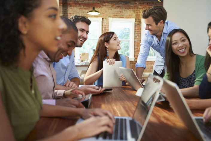Leadership clarity: Image is positive team members interacting